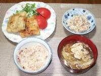 10/11 夕食 稲荷餃子、こんにゃくの白和え、キノコと卵のスープ、雑穀ご飯