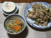 10/25 夕食 春雨入り野菜スープ、豚肉と凍みこんにゃくの野菜炒め、茶碗蒸し