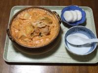 10/23 夕食 豚肉とキムチと厚揚げの豆乳鍋