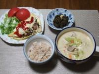 10/27 夕食 きのこオムレツ、野菜と豚肉とくずし豆腐の味噌ミルクスープ、あかもく、雑穀ご飯