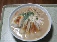11/9 昼食 にゅうめん(野菜と鶏むね肉とくずし豆腐の味噌ミルクスープ+こんにゃくそうめん、餅、鶏ささみ、玉子、ちくわ)、