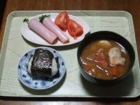 11/14 昼食 カイワレのハム巻き、豚汁、おにぎり(鮭)