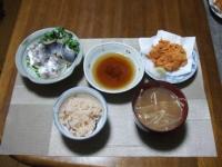 11/25 夕食 鯵の刺身とスモークさんまカイワレ巻き、桜エビのかき揚げ、べったら漬け、タコ飯