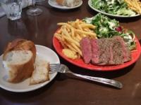 12/7 昼食 メイン フランスパンと牛ステーキ  丸の内 ランプラント