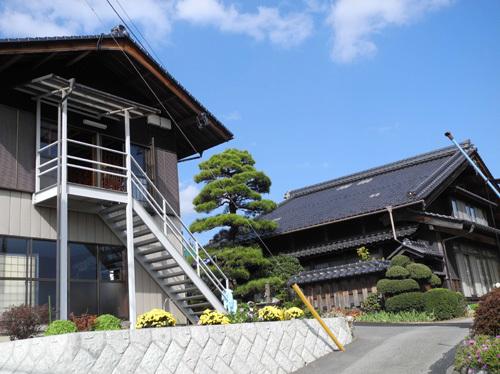 本島昭和の本棟造