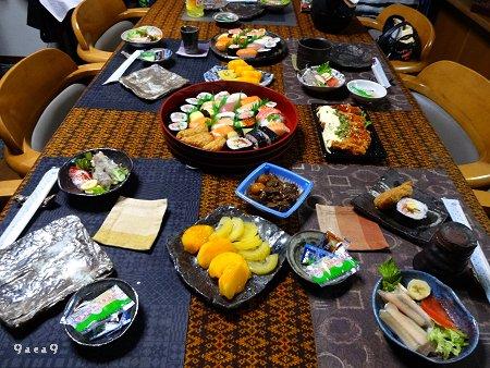 食事の準備中の写真