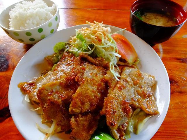 奄美市住用町・よってみ亭の生姜焼き定食650円