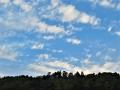 雲間の青空.