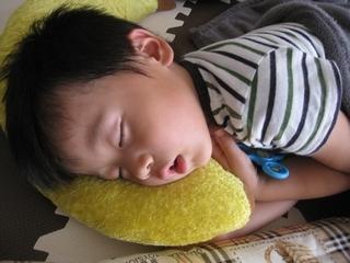 孫のお昼寝
