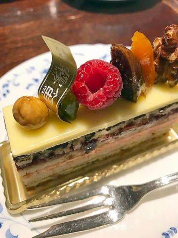 霧笛楼ケーキ1
