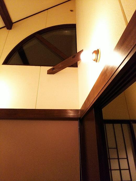 天井たかい