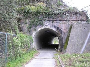 北丹鉄道日藤トンネル1