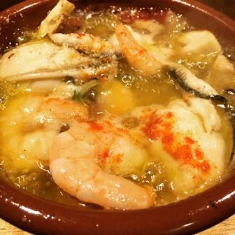 牡蠣と海老のアヒージョ