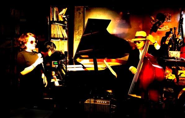 20171004 Jazz38 岩崎セッション 21㎝ DSC05943
