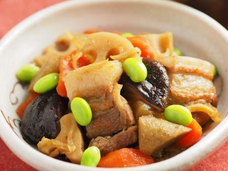 フライパンで豚バラと根菜の煮031