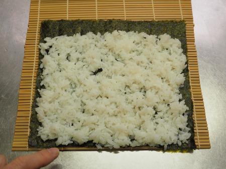 市販の具材で巻き寿司032