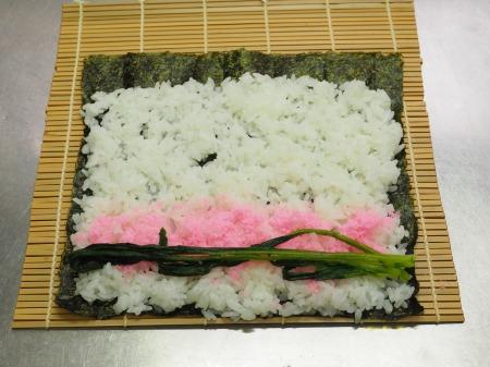 市販の具材で巻き寿司034