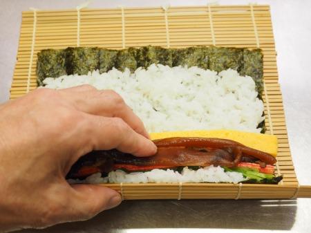 市販の具材で巻き寿司040