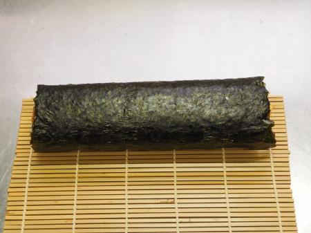 市販の具材で巻き寿司045
