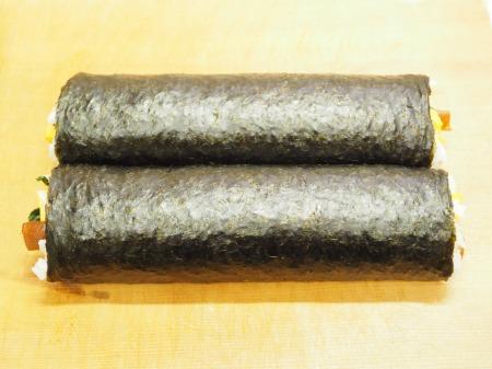 市販の具材で巻き寿司046