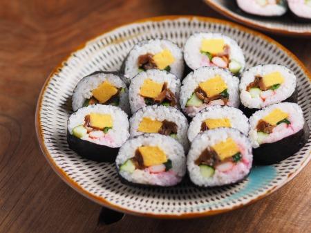 市販の具材で巻き寿司001