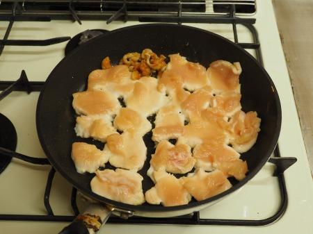 鶏むね肉とヒラタケのすき焼き061