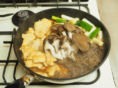 鶏むね肉とヒラタケのすき焼き066