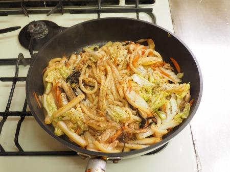 たっぷり白菜の大盛り焼きうど043