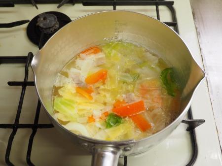 ミルク野菜チキンラーメン033
