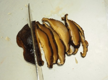 鶏もも肉と鶏肝の生姜煮込み047
