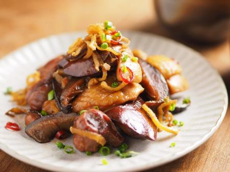 鶏もも肉と鶏肝の生姜煮込み012