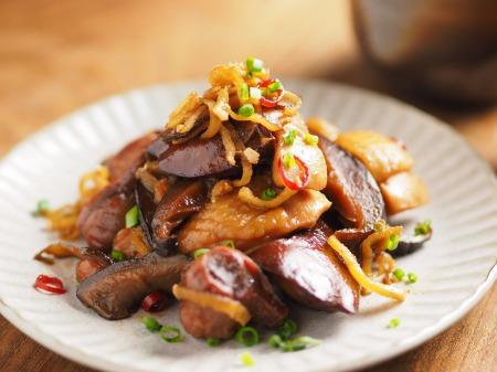 鶏もも肉と鶏肝の生姜煮込み010