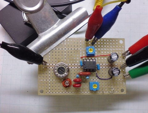 bridgedT発振回路実験基板