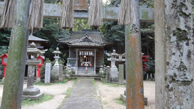 石穴神社拝殿