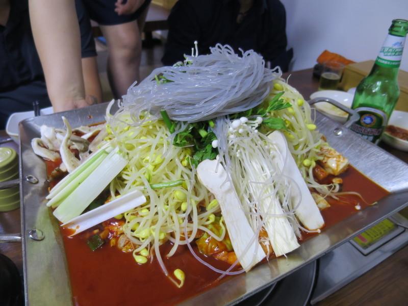 タコ鍋 生きたタコ 辛い