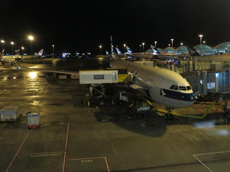 CX566 夜間フライト