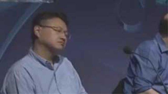 【無能集団】SCEの吉田氏、カンファ中の檀上で寝る暴挙に世界中がときめく事態にwww
