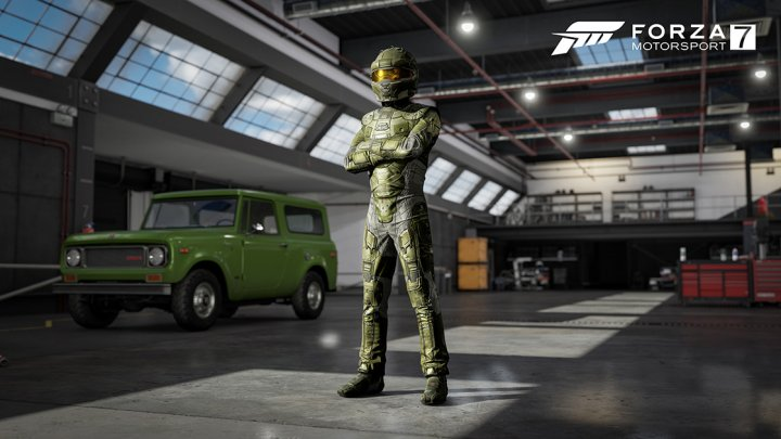 Master Chief and Olympia Vale Gear