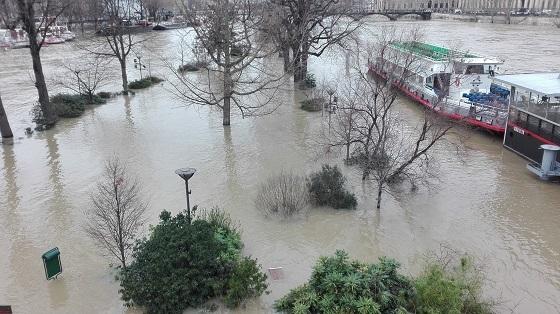 セーヌ川増水