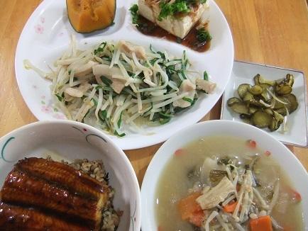 鰻丼、温奴、野菜炒め