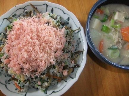 ばら寿司、豚汁