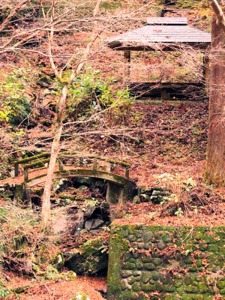 橋と東屋jpg