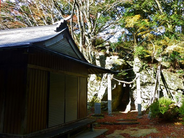 五十鈴神社拝殿02