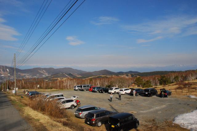 四阿山_登山口駐車場から北アルプスを一望できる