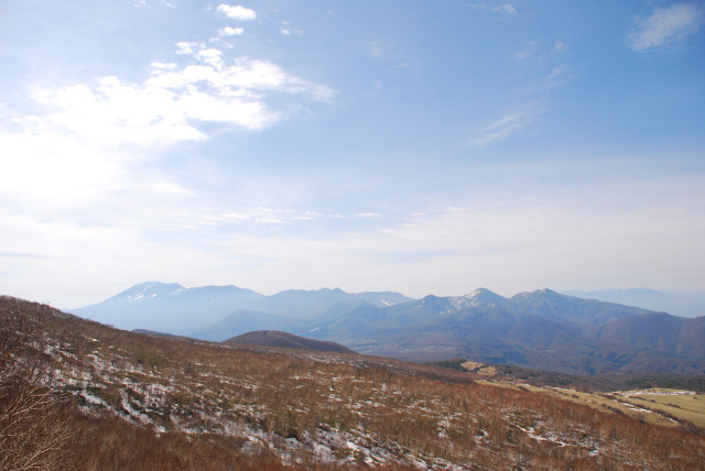 小四阿山からの眺め_遠くに浅間山