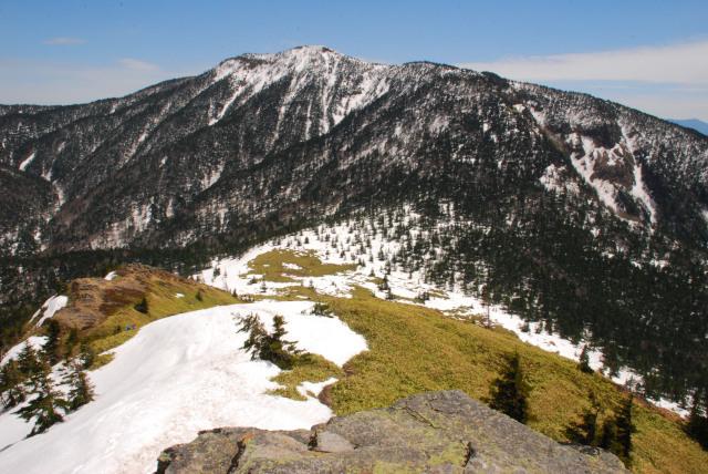 根子岳から四阿山の眺め
