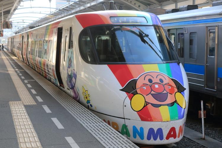 あんぱんまん列車-S