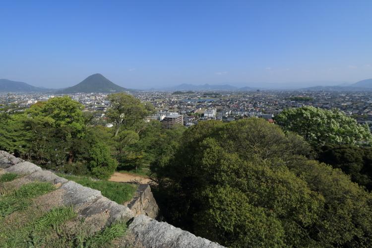 丸亀城からの眺め2-Ss