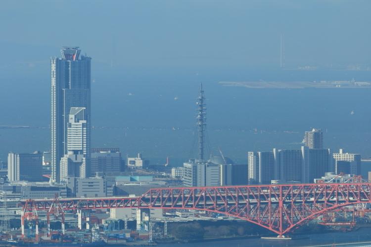 コスモタワーと明石海峡大橋-S