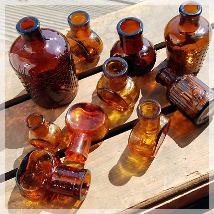 イギリスアンティークボトル